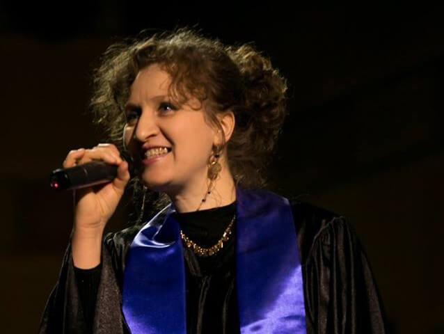 Houria chante en solo